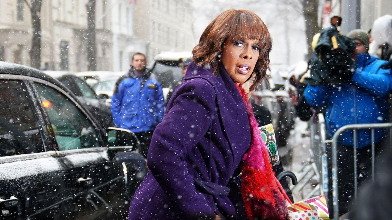 Gayle King, llegando a la baby shower. (Reuters)