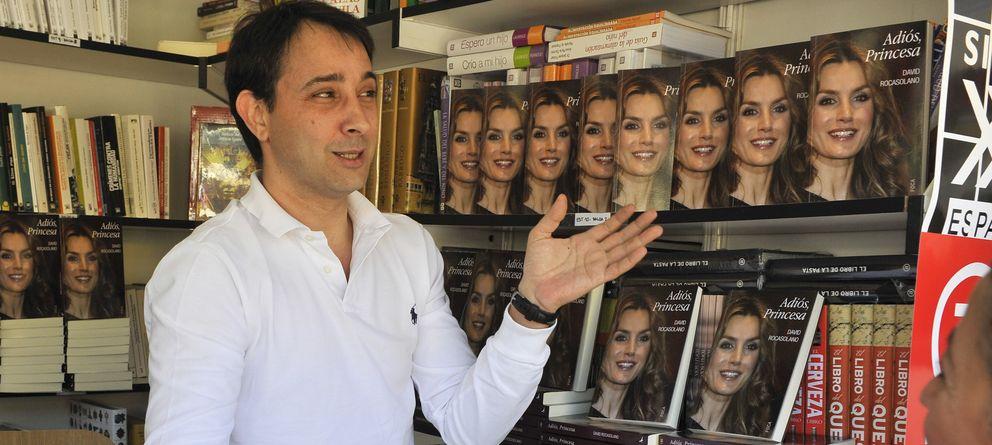 Foto: El primo de la princesa Letizia, David Rocasolano, en la Feria del Libro (Gtres)