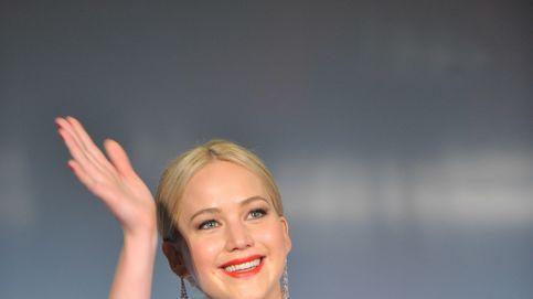 Jennifer Lawrence se queja de que no tiene citas... Y sus fans le echan una mano
