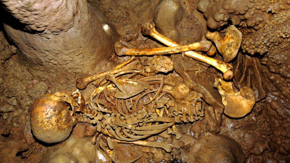 Foto: Esqueleto del Mesolítico hallado en La Braña 1, en León