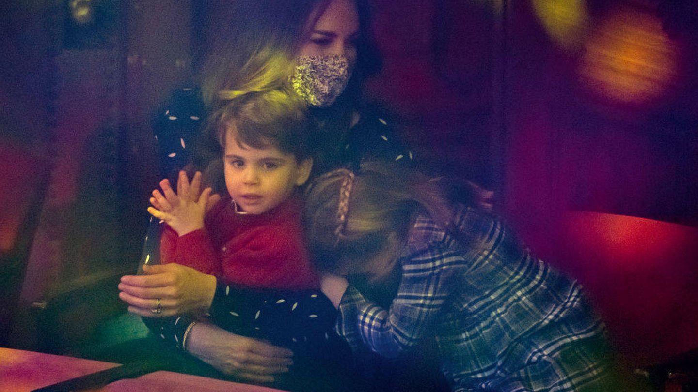 Kate Middleton ríe ante las expresiones de su hija Charlotte. (Getty)