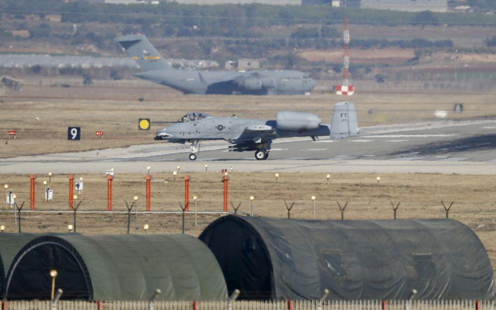 Foto: Un caza A-10 Thunderbolt estadounidense aterriza en la base aérea de Incirlik, Turquía, en diciembre de 2015 (Reuters)