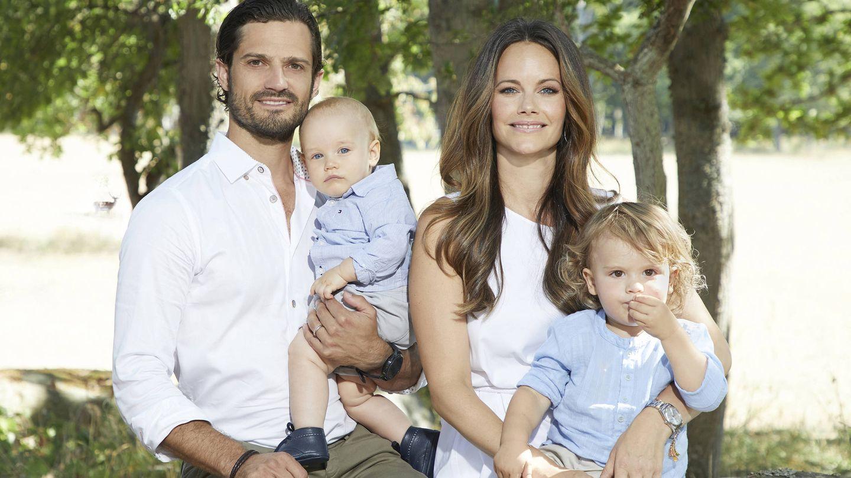 Carlos Felipe y Sofía de Suecia, junto a sus hijos. (Kungahuset - Casa Real de Suecia)