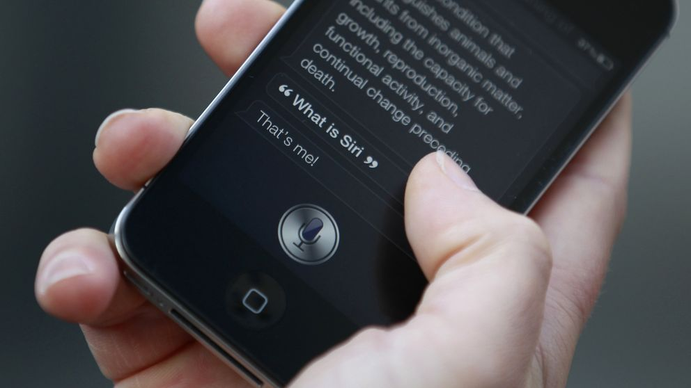 Siri, Alexa y redes sociales: las nuevas maneras de buscar empleo en España