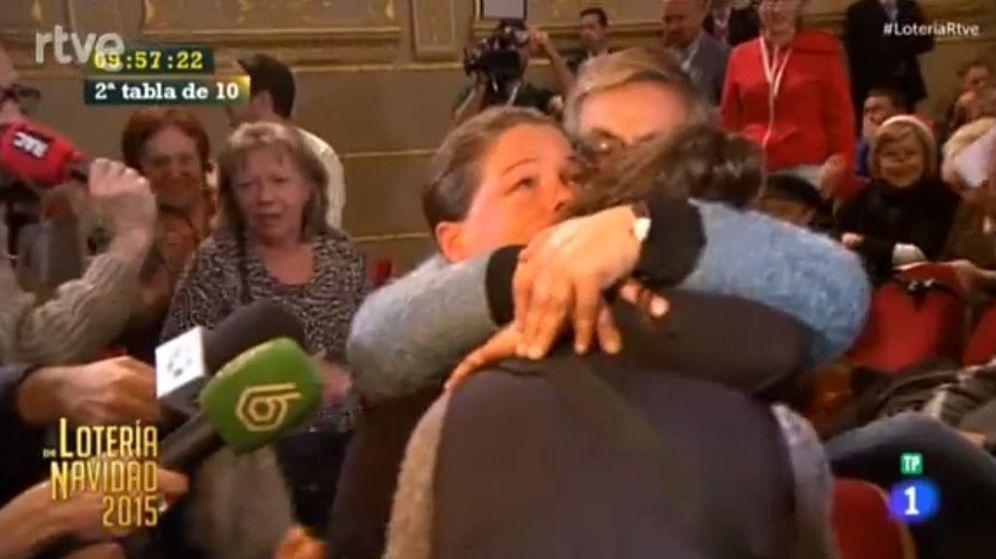 Foto: La lotera que pensó que le había tocado el primer cuarto premio. (RTVE)