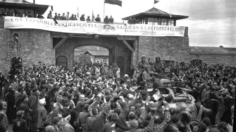Foto: Los españoles presos en Mauthausen celebran la liberación del campo en 1945