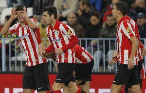 El Athletic toma la senda del triunfo fuera de casa y La Rosaleda estalla