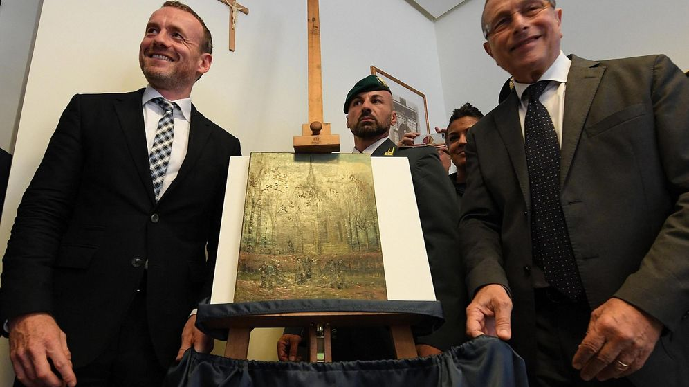 Foto: Recuperadas dos pinturas de Vincent van Gogh en manos de la camorra