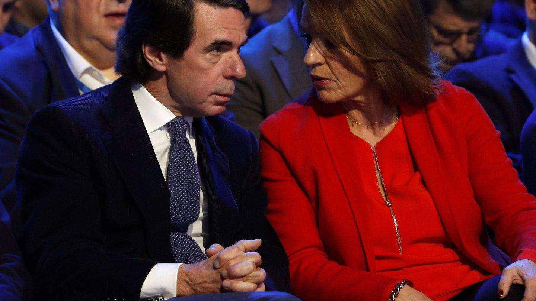 José María Aznar, y su mujer, Ana Botella,  en una imagen de archivo. (EFE)