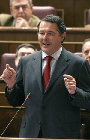 Michavila anuncia al PP y a Bono que renuncia a su escaño en el Congreso