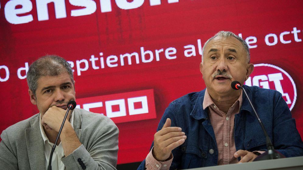Foto: Los secretario generales de UGT y CCOO, Pepe Álvarez (d) y Unai Sordo. (EFE)
