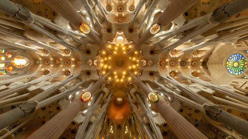 Volver a lugares como la Sagrada Familia o los cines tras el covid: el día en fotos