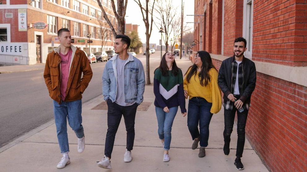 'Esta mierda me supera' y 5 series más de Netflix para ver con tus hijos adolescentes
