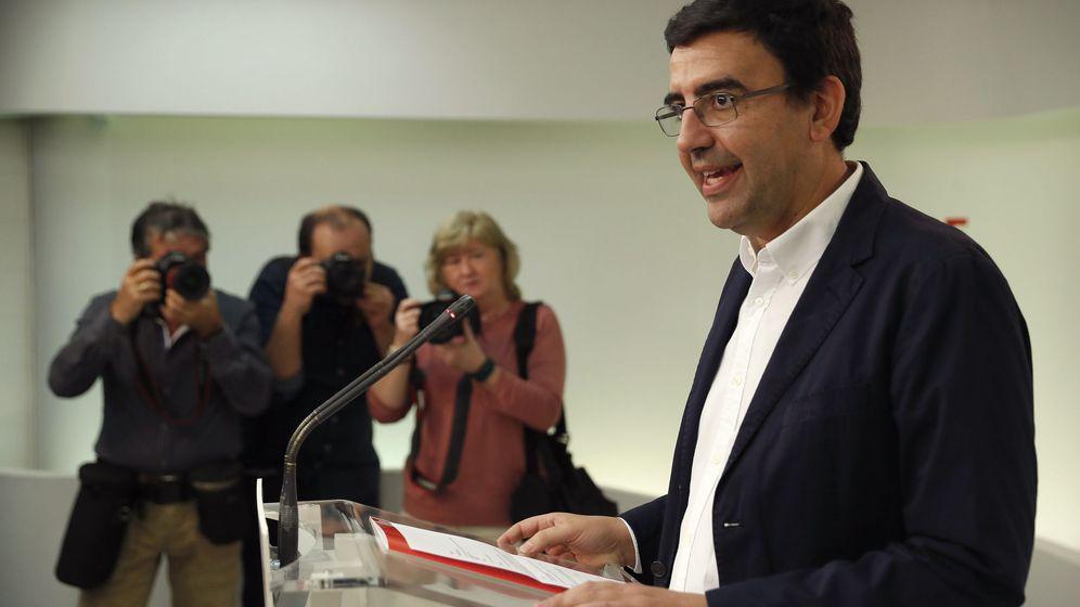 Foto: El portavoz de la comisión gestora del PSOE, Mario Jiménez, el pasado 10 de octubre en Ferraz. (EFE)