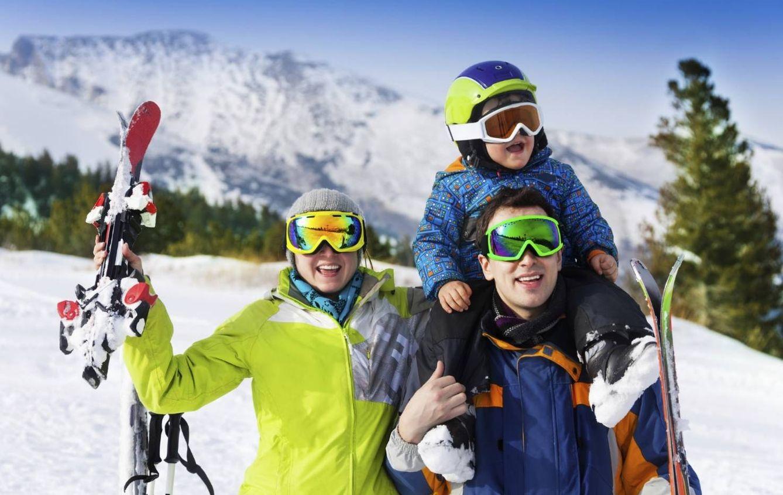¿Quién dijo que esquiar estaba reñido con tener familia? (iStock)