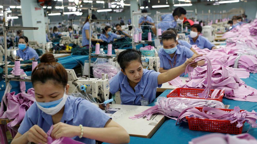 Foto: Trabajadores en una fábrica textil de Ho Chi Minh, Vietnam. (Reuters)