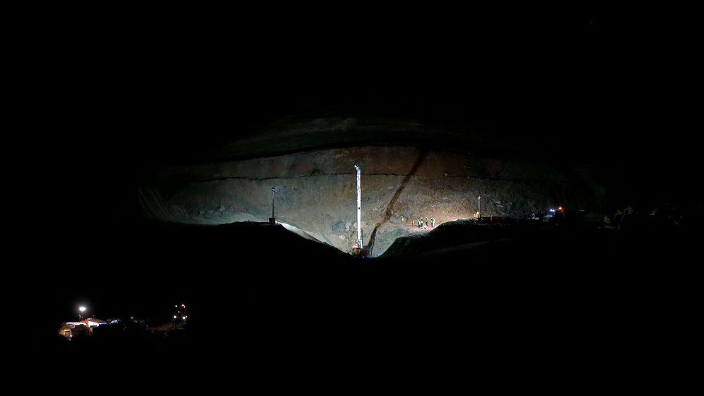 Foto: Imagen de la perforadora que ayer empezó su trabajo en las labores de rescate de Julen (EFE).