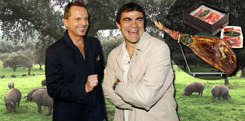 Foto: Miguel Bosé y Manolo Sanchís y su jamón Monsalud (Fotomontaje realizado por Vanitatis)