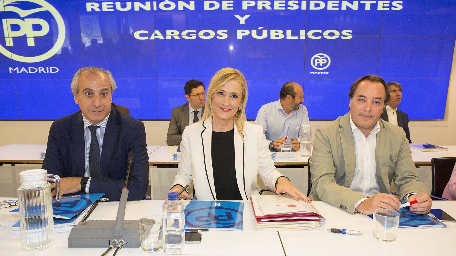 Foto: Cristina Cifuentes y Jaime González Taboada, consejero de Medio Ambiente.