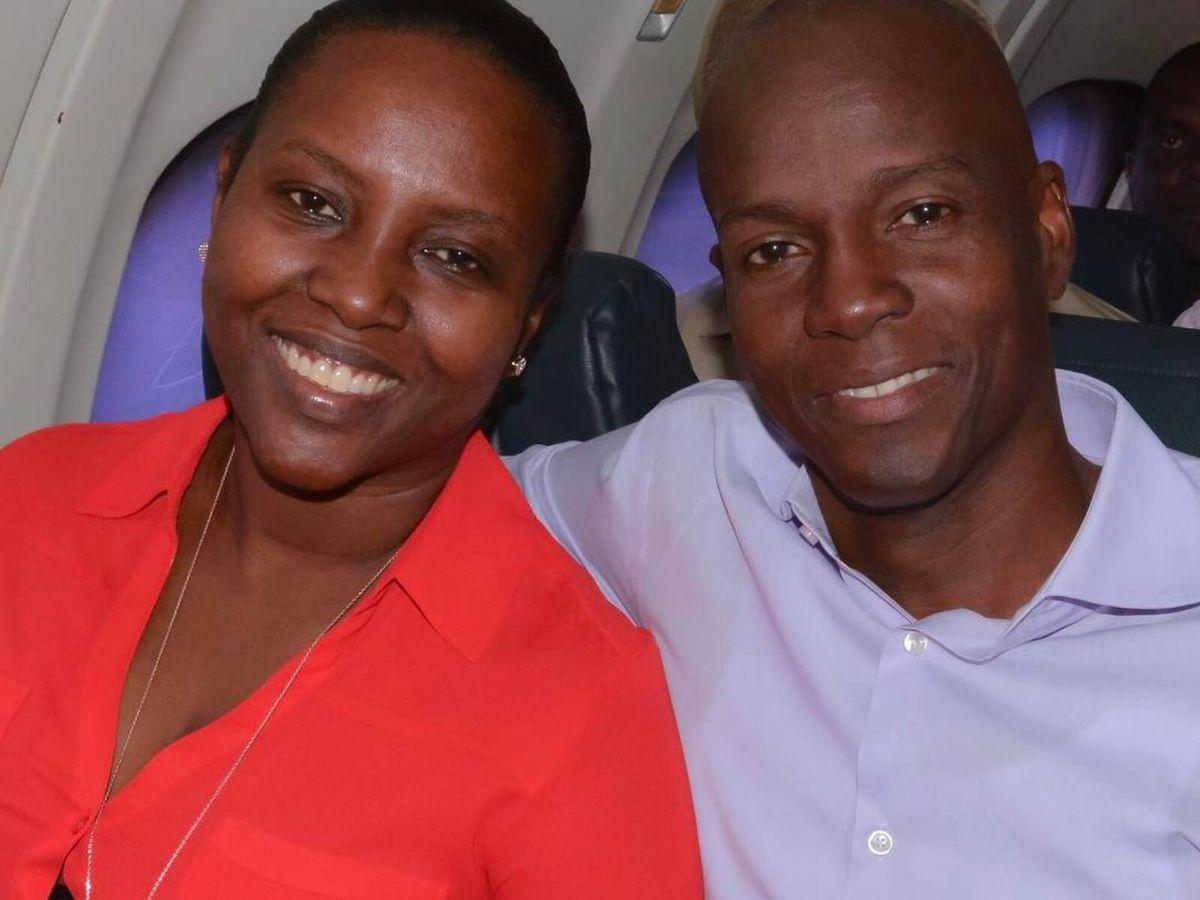 Foto: Jovenel y Martine Moïse, muy sonrientes durante un viaje oficial a la localidad de Nan Pilet en Haití. (Instagram @martinejmoise)