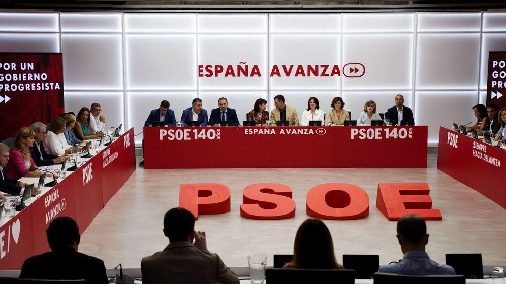 Foto: Reunión de la ejecutiva federal del PSOE. (EFE)
