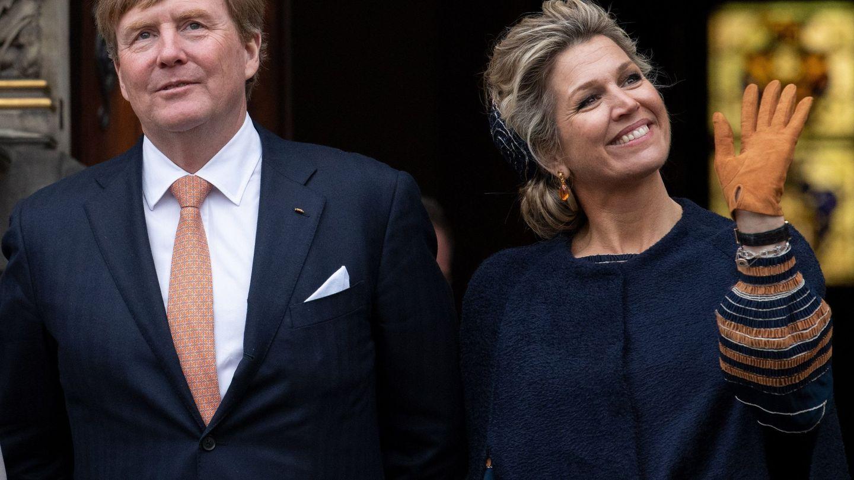 El rey Guillermo Alejandro y la reina Máxima de Holanda durante un viaje a Alemania. (EFE)