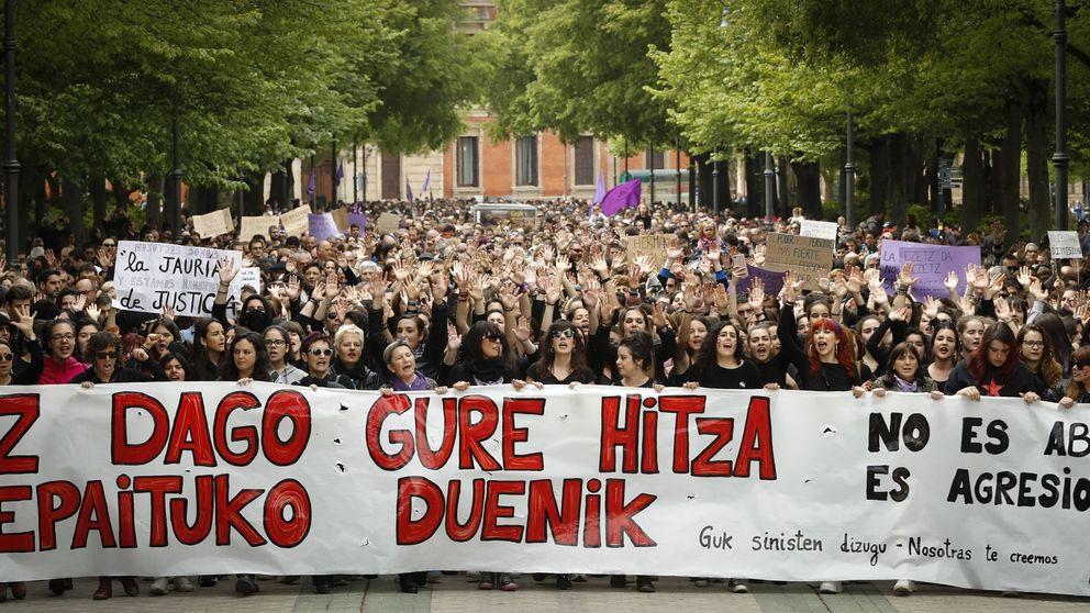 Miles de personas se manifestan en Pamplona por la sentencia de La Manada