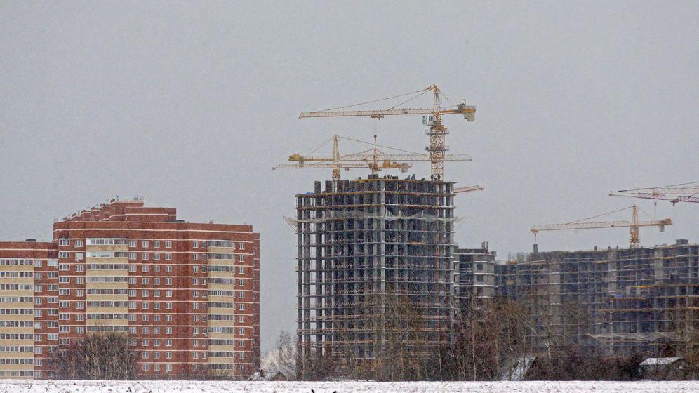 Foto: Imagen de varios edificios en construcción. (EFE)