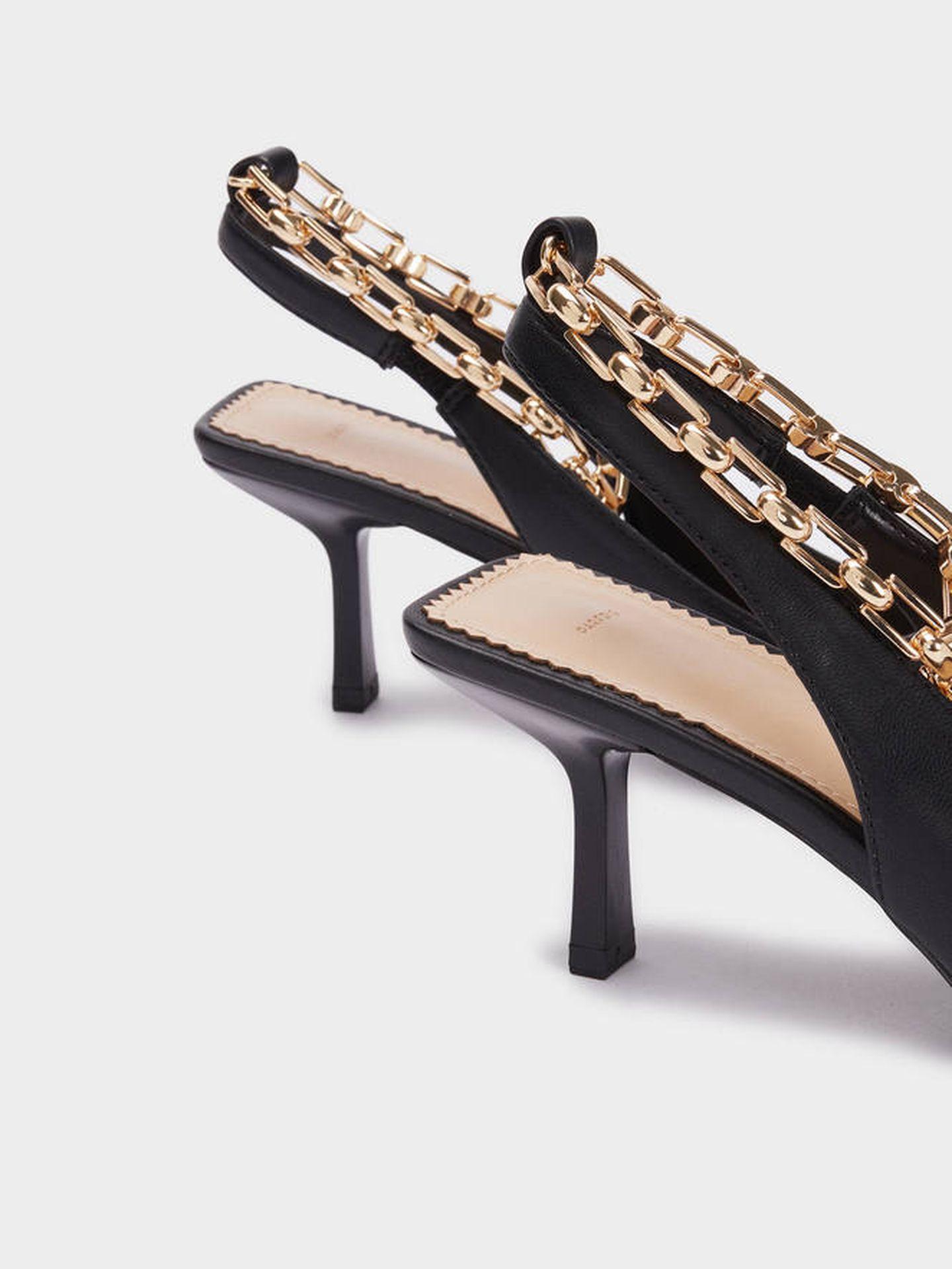 Zapatos de tacón de Parfois. (Cortesía)