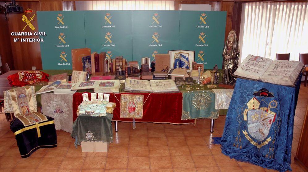 Foto: Recuperan 94 piezas de gran valor robadas en iglesias y detienen al autor (Guardia Civil)