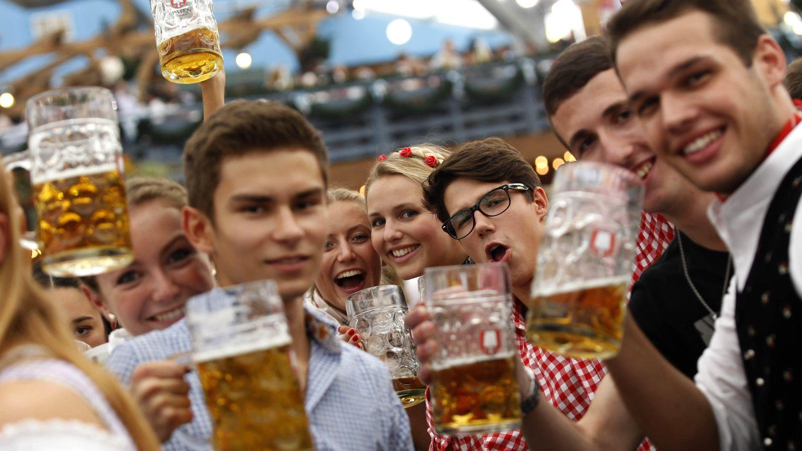 Foto: El Oktoberfest es uno de los grandes reclamos turísticos de Alemania, pero la realidad de los emigrantes es muy diferente. (Reuters/Michaela Rehle)