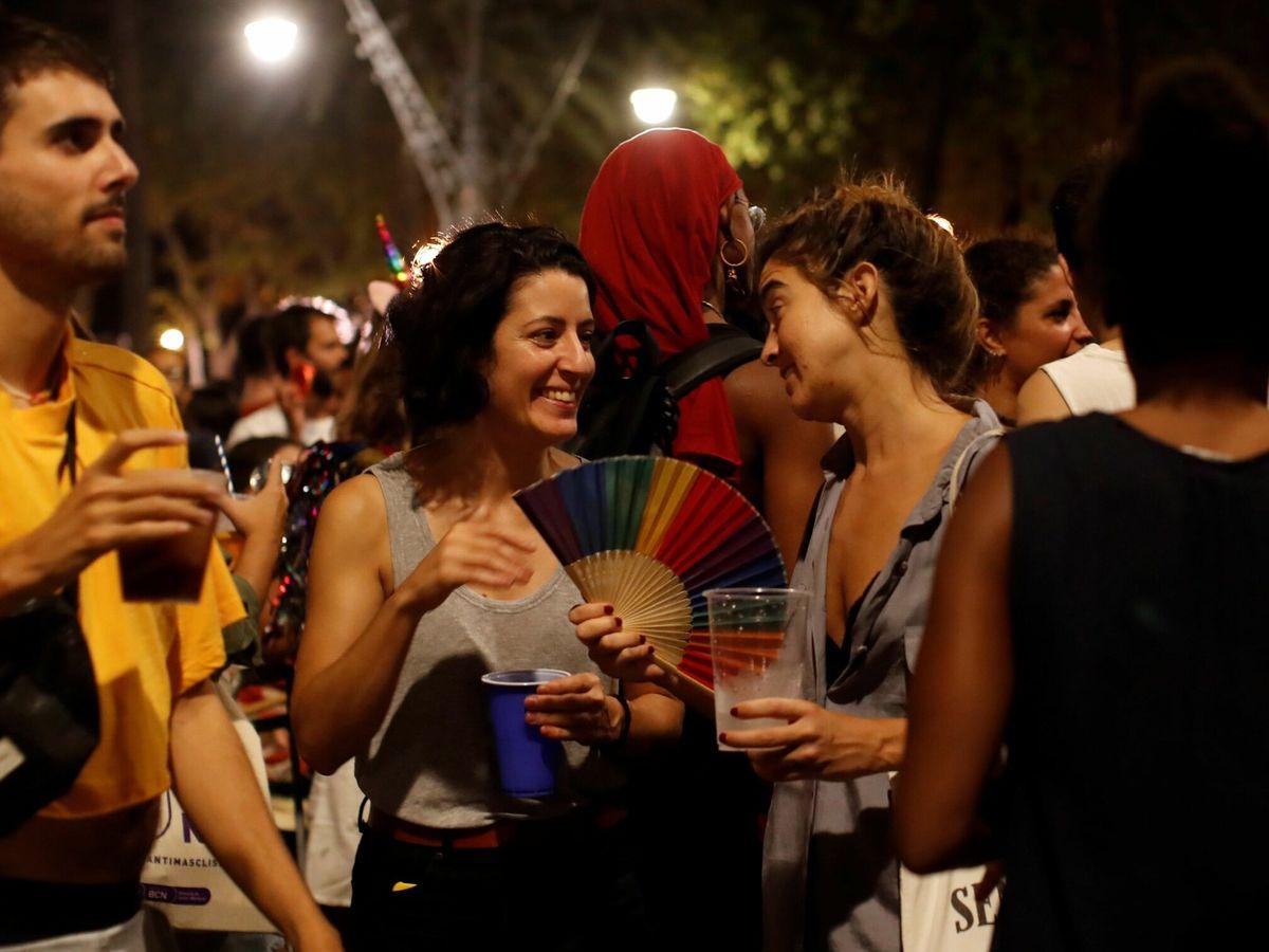 Foto: Botellones en Barcelona. (EFE)