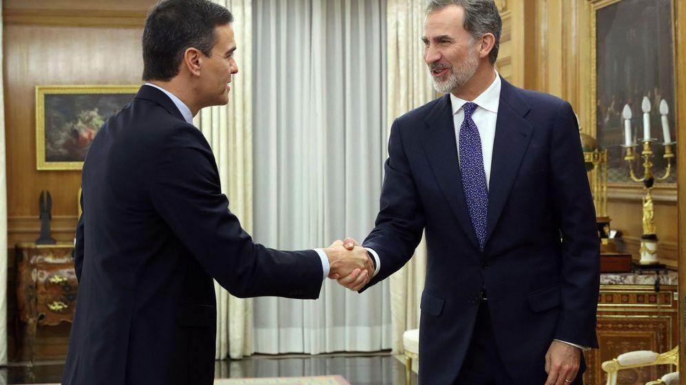 Foto: Felipe VI recibe en audiencia al secretario general del PSOE y presidente del Gobierno en funciones, Pedro Sánchez. (EFE)