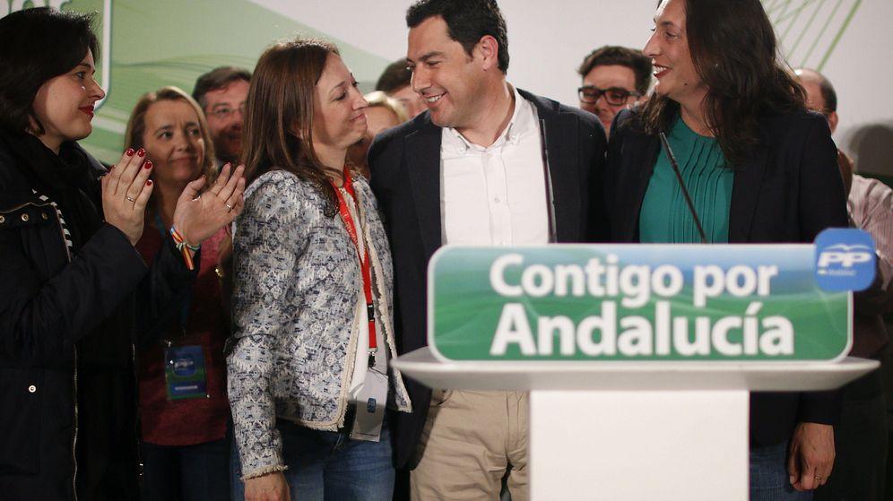 Foto: Juanma Moreno valora los resultados en las elecciones andaluzas. (EFE)