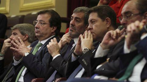 Barones y dirigentes del PSOE se rebelan contra el 'relator' de Sánchez para Cataluña
