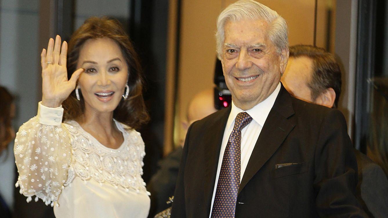 Foto: Isabel Preysler y Mario Vargas Llosa en la fiesta de 80 cumpleaños del nobel (Gtres)