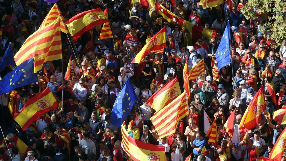 Foto: Manifestación bajo el lema 'Todos somos Cataluña' (EFE)