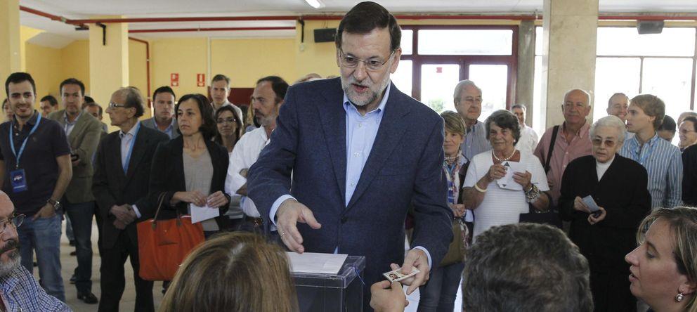 Foto: El presidente del Gobierno ejerce su derecho a voto en los últimos comicios. (EFE)