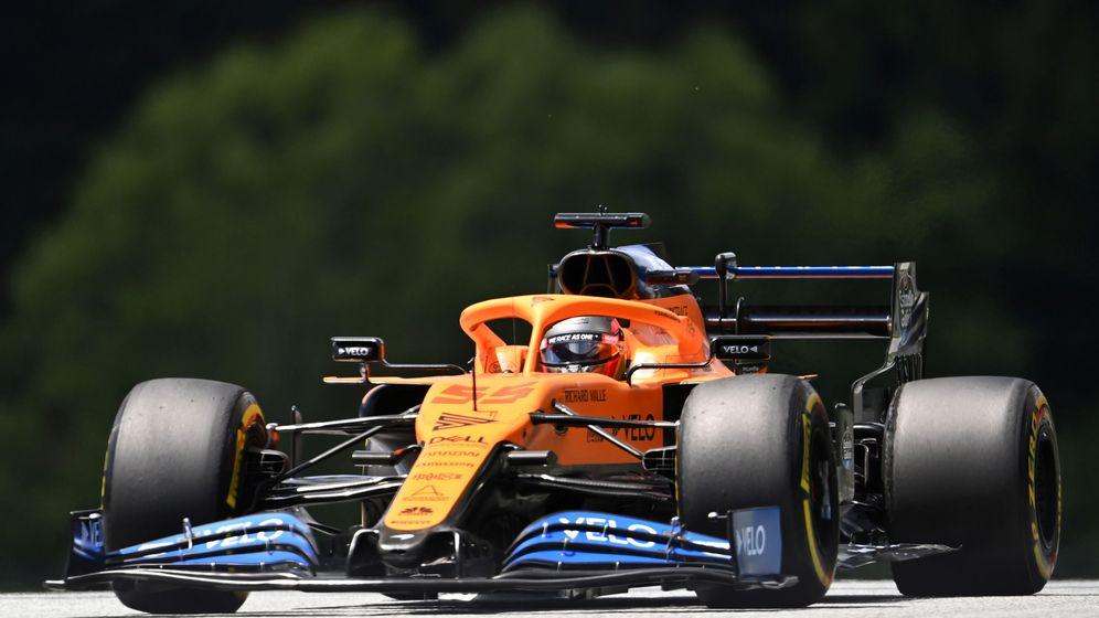 Foto: Carlos Sainz terminó octavo en su primer Q3 de 2020, con los dos McLaren cómodos entre los diez primeros (EFE)