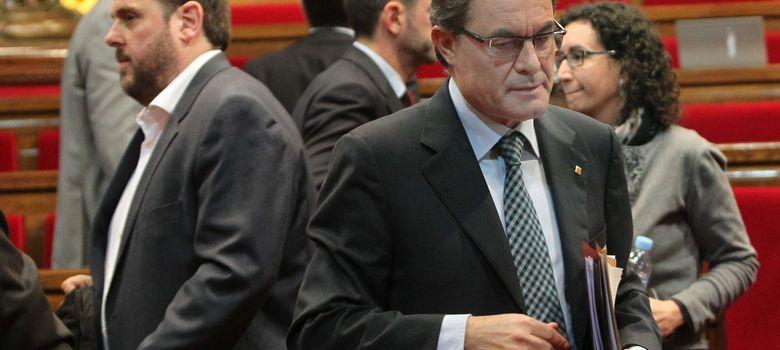 Foto:  El presidente de la Generalitat, Artur Mas (d), y el líder de ERC, Oriol Junqueras (i)