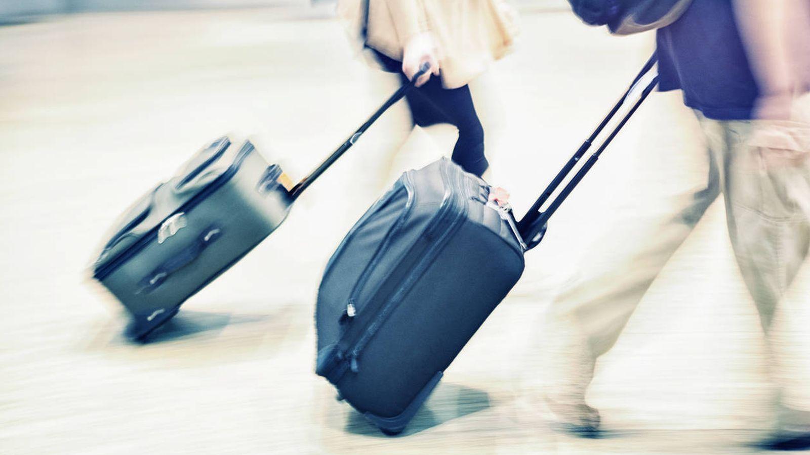 9c57b8249f8d2 Viajar en avión  ¿Pagar por el equipaje de mano  United Airlines cobra por  llevar maleta