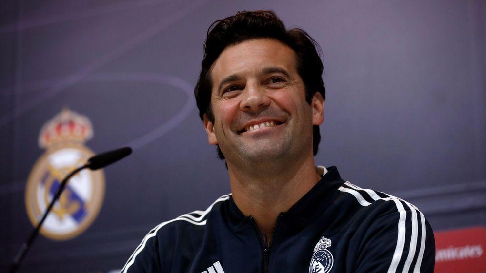 Foto: Solari, durante una conferencia de prensa en la Ciudad Deportiva de Valdebebas. (EFE)