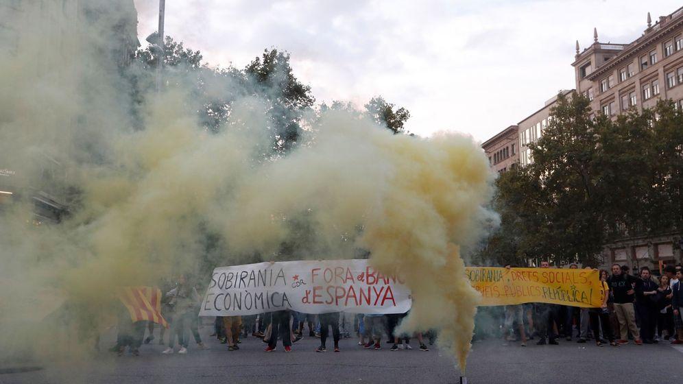 Foto:  El soberanismo conmemora la jornada del 1-O del año pasado con diversas movilizaciones reivindicativas. (EFE)