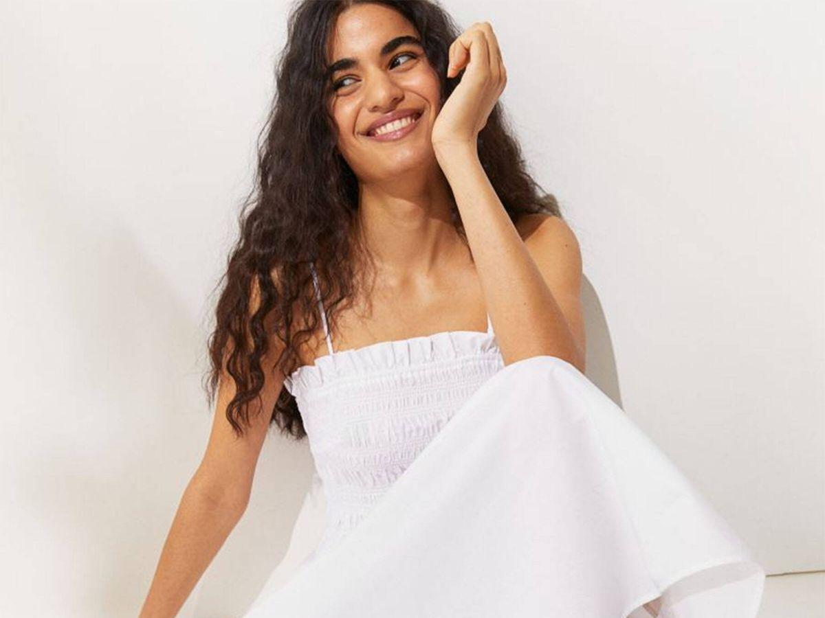 Foto: El vestido de HyM para siempre acertar. (Cortesía)