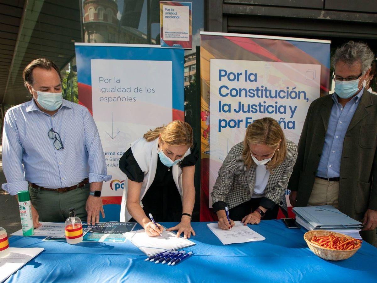 Foto: Campaña recogida de firmas contra indultos. (PP)