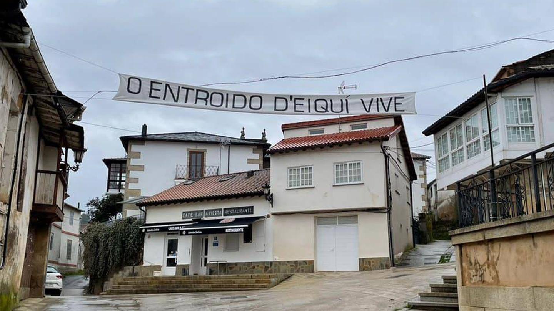 La plaza da Picota, escenario del Luns Borralleiro y otros días de fiesta en el 'entroido' gallego. (Foto: Catro cousas hai en Laza)