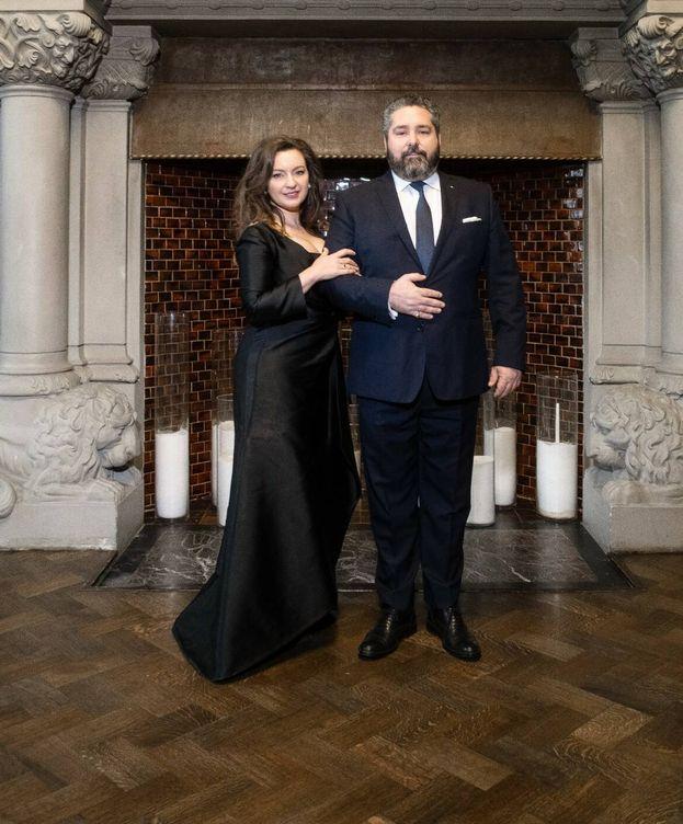 Foto: El gran duque Jorge Románov y Rebecca Bettarini. (Foto: Cancillería de la Casa Imperial de Rusia)