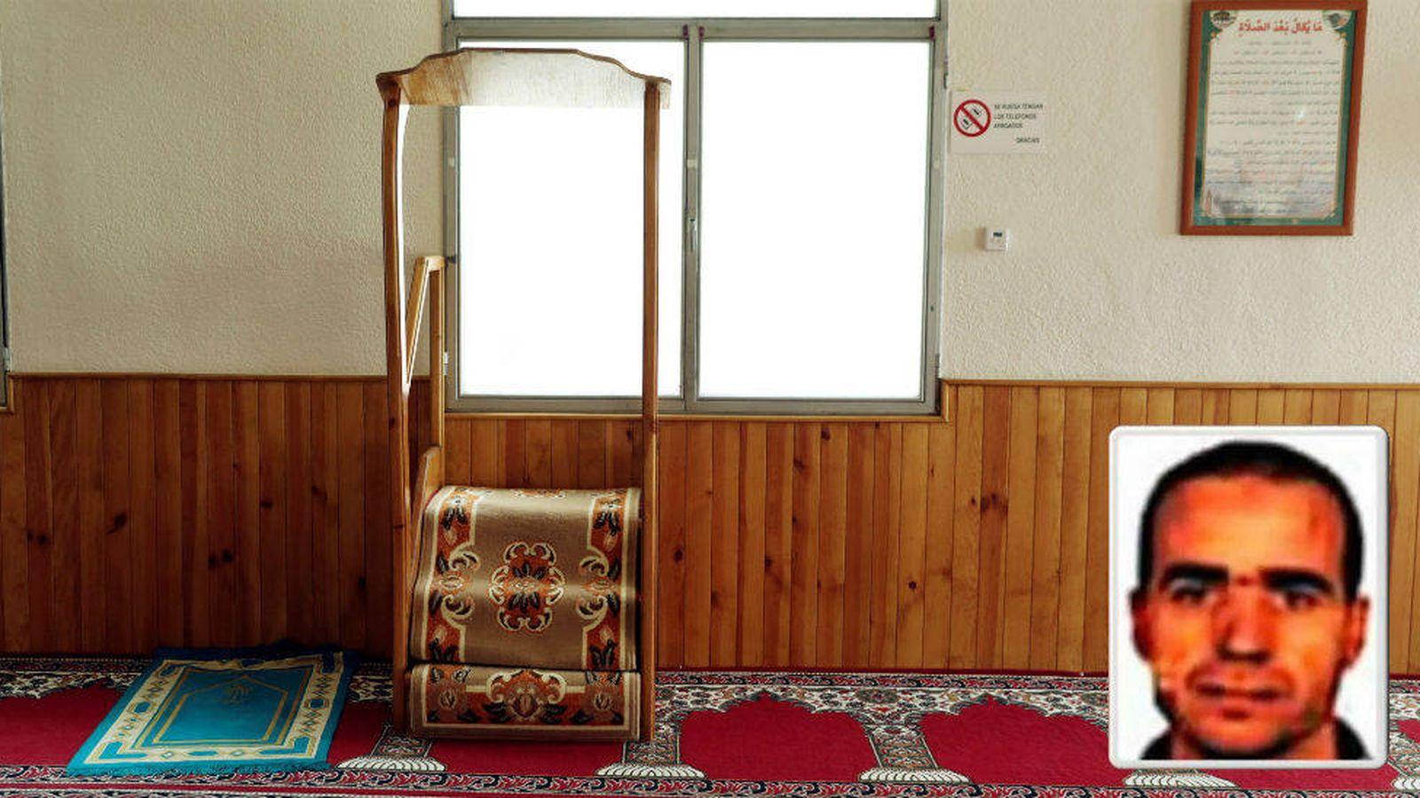 Foto: Púlpito de la mezquita de Ripoll desde donde rezaba el imán Abdelbaki Es Satty (esquina derecha).