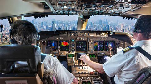 Un micrófono abierto graba a un piloto de avión insultando a toda una ciudad
