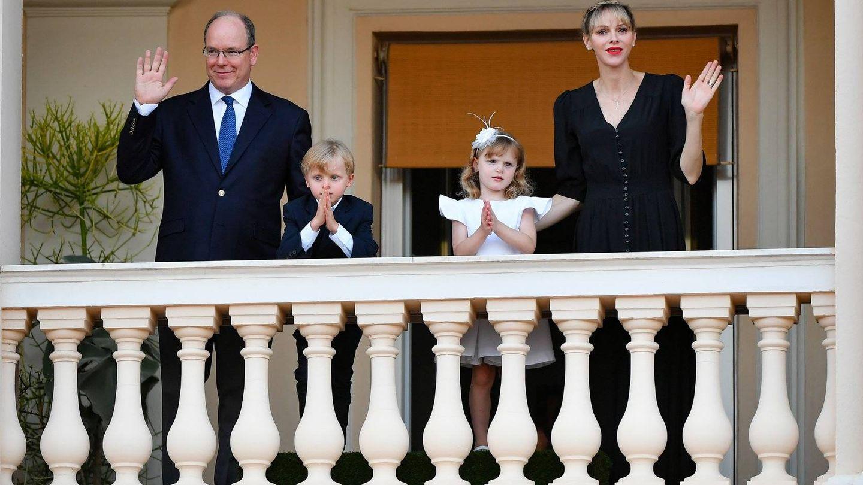 Alberto y Charlène, con sus hijos. (Eric Mathon / Palais Princier)